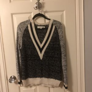 Lord and Taylor vneck sweater